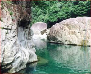 魚飛渓フォト